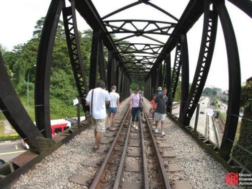 iconic-steel-bridges-along-rail-corridor3
