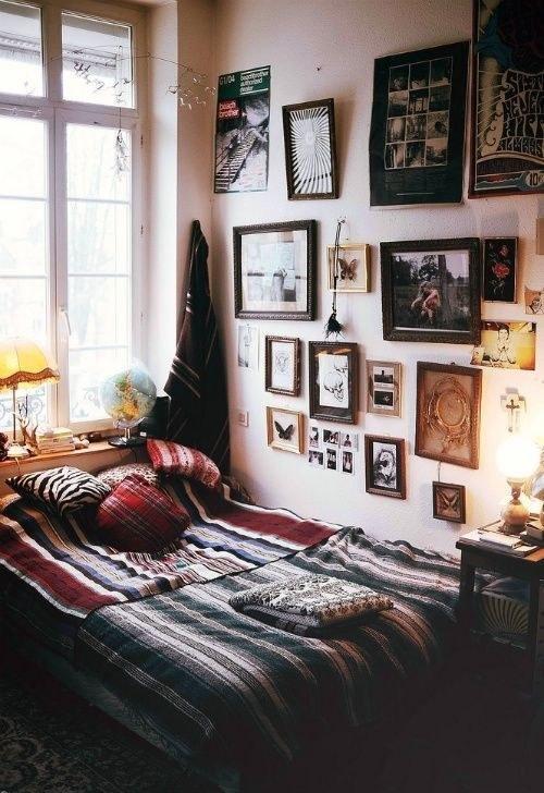 room decor, frames, photo prints, cosy